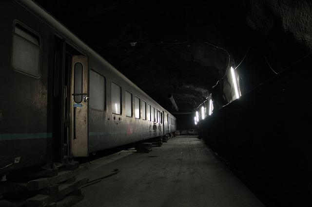 světla ve stanici.jpg