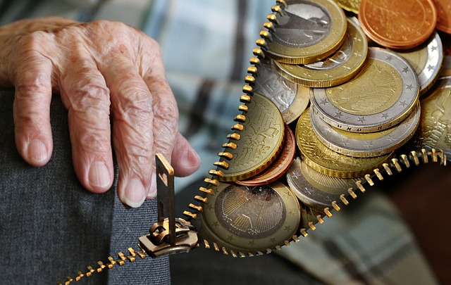 peníze pro důchodce